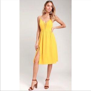 NWT Lulu's Melena Lace Yellow Backless Midi Dress